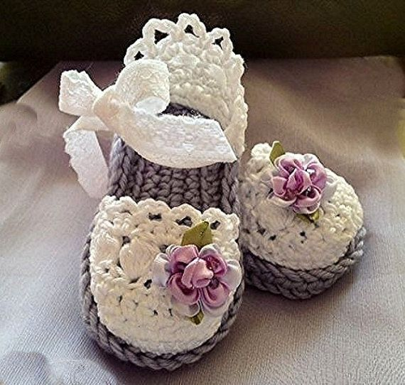 Baby Crochet Sandals in Lavender and by TippyToesBabyDesigns