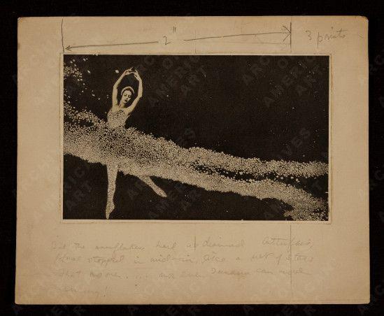 Joseph Cornell. Collage of Tamara Toumanova dancing entre  1940 and 1970 Via aaa.se.edu
