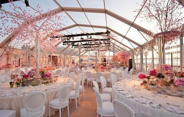 Beautiful outdoor wedding - built in glass tent | Dubai ...