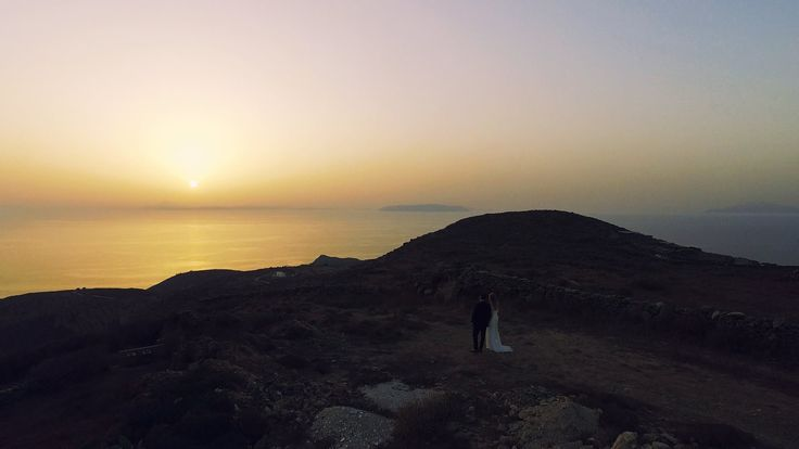 Is there anywhere a better view for your #wedding photography? #AnemiHotel #Folegandros #sunset
