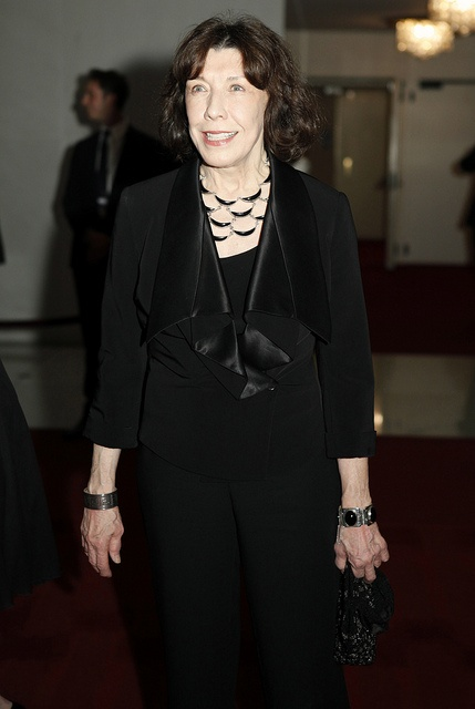 2003 recipient of the Kennedy Center's Mark Twain Prize Lily Tomlin joins the celebration for Ellen DeGeneres. (Credit: Scott Suchman)