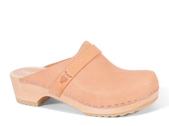 The iconic silhouette of the Tokyo Swedish clog evokes a comforting familiarity that is effortlessly stylish and easily recognizable. Representing…