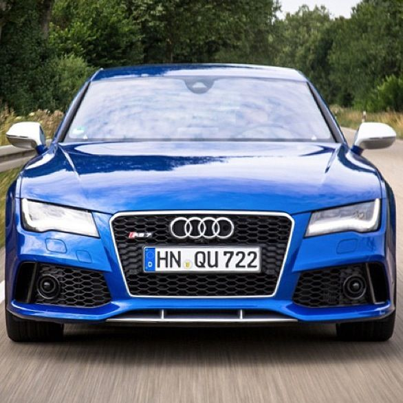 Can you spot the #nightvision camera in the grille of this RS 7?