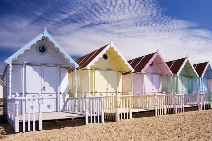 Cute dollhouse beach cottages cute cottages pinterest for Cute beach houses