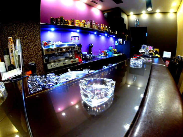 La Caffetteria bar night