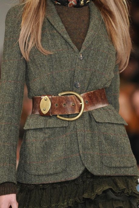Oakmoss toned Tweed Jacket with a vintage leather belt.
