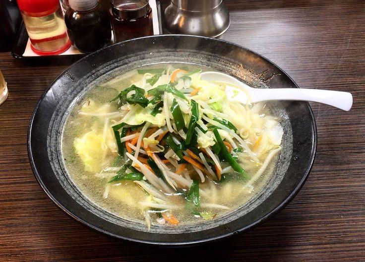 仙花 塩タンメン お店のことは知ってたんですが初めていただきました 巨大な丼に野菜たっぷり麺もスープも美味しいです 次はパクチー涼麺食べに行きます #仙花 #タンメン #塩タンメン  #自由が丘 #jiyugaoka #ラーメン #ramen #tanmen