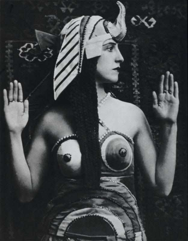 Lubov Tchernicheva in a Cléopâtre costume from the Ballet Russes, 1918.