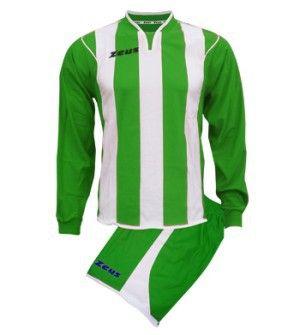 Zöld-Fehér Zeus Jimmy Csíkos Focimez Szett tervezett szálú, csíkos, V nyak jelleg, kényelmes, tartós, kopásálló, könnyen száradó, rövid ujjú mezzé alakítható a Jimmy focimez. Impozáns, magabiztos, utánpótlás számára is, kitűnő, egyedi választású a Juventus jellegű focimez. Zöld-Fehér Zeus Jimmy Csíkos Focimez Szett 6 méretben és további 13 színkombinációban érhető el. - See more at: http://istenisport.hu/termek/zold-feher-zeus-jimmy-csikos-focimez-szett/#sthash.pFT9U0nD.dpuf