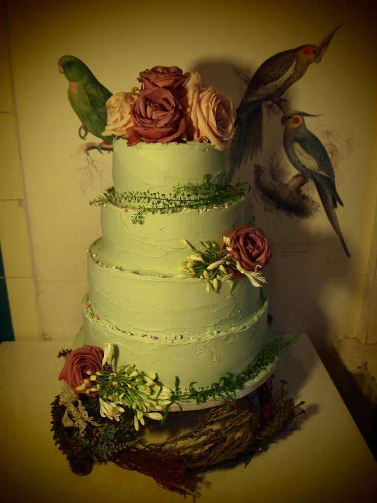 gloriously romantic wedding cake - treacle&co