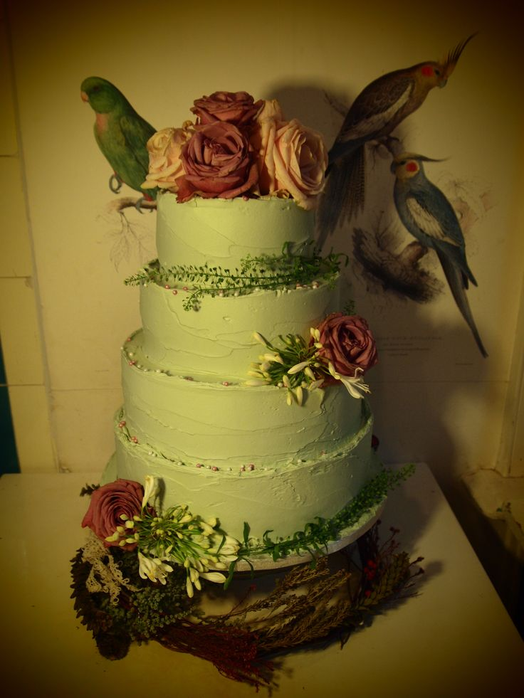 gloriously romantic wedding cake - treacle&co