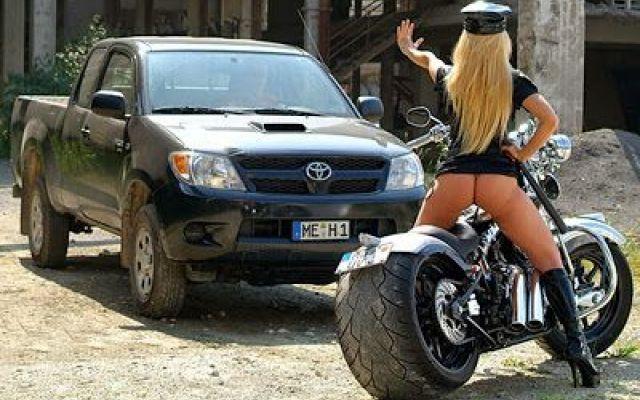 Alt - Patente e libretto prego! #ragazze #poliziotte #sexy #chopper #custom