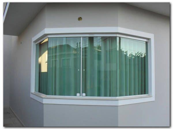 foto de janela bay window feita toda em vidro