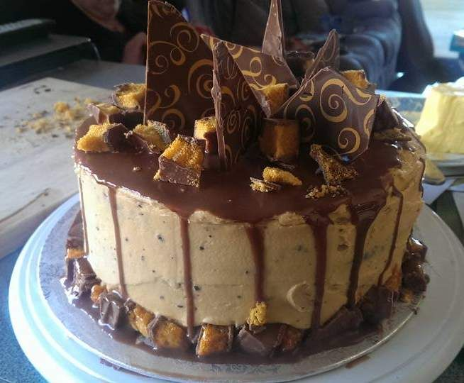 Recipe Honeycomb Buttercream by stephmax82 - Recipe of category Desserts & sweets