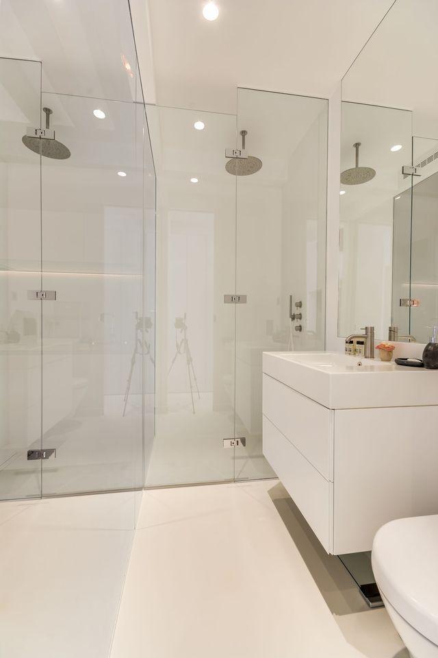 Les 25 meilleures id es concernant salle de bains - Idees pour rendre une petite salle de bains beaucoup plus grande ...