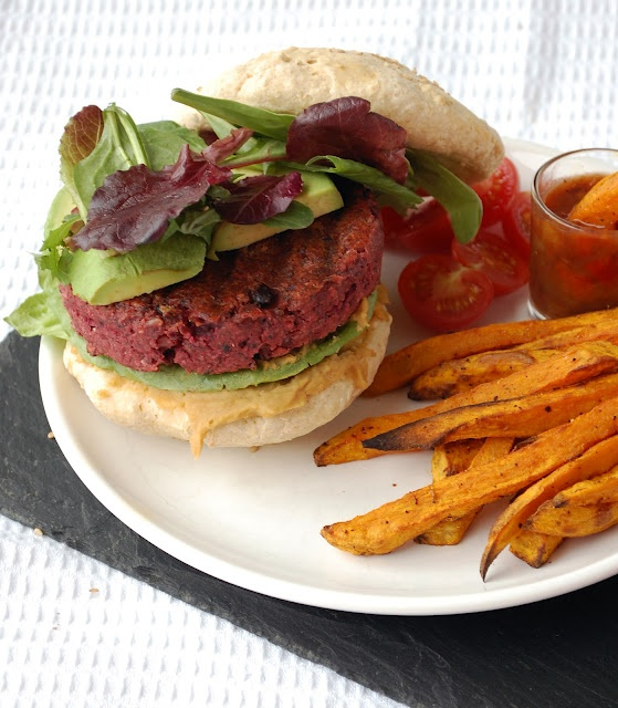 Black bean beet burgers: Cheeseburgers, Includ Cakes, Veggies Burgers, Black Beans, Healthy Eating, Beans Beets, Beets Burgers, Beet Burger, Homes