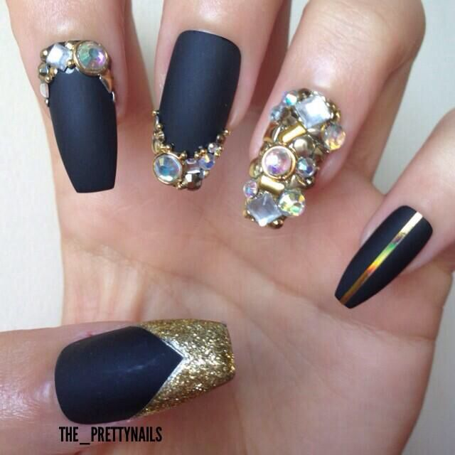 Matte Black and Gold Junk using gold glitter from Barry M by The Pretty  Nails - Best 25+ Junk Nails Ideas On Pinterest Pretty Nails, Black Gold