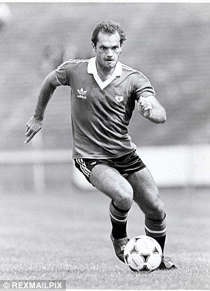 Ray Wilkins in action for Manchester United