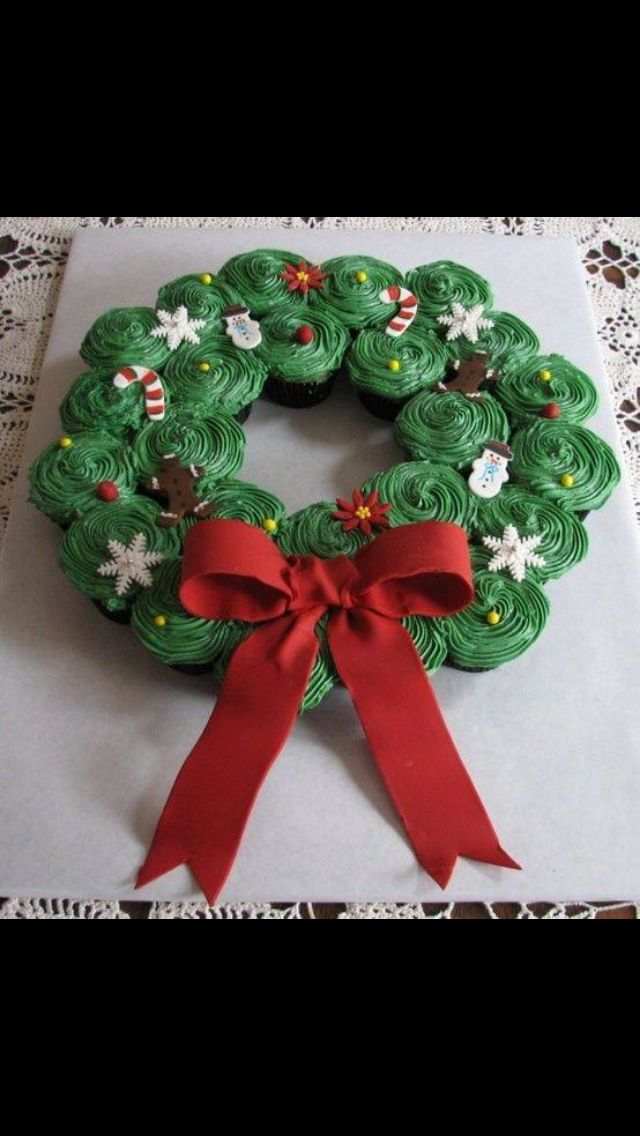 Christmas #cupcake #wreath! Yummy and festive! I want one with my Winter Whispers #tea, it would be a great combo on a day like this. http://www.teapalace.co.uk/Winter-Whispers-P236/