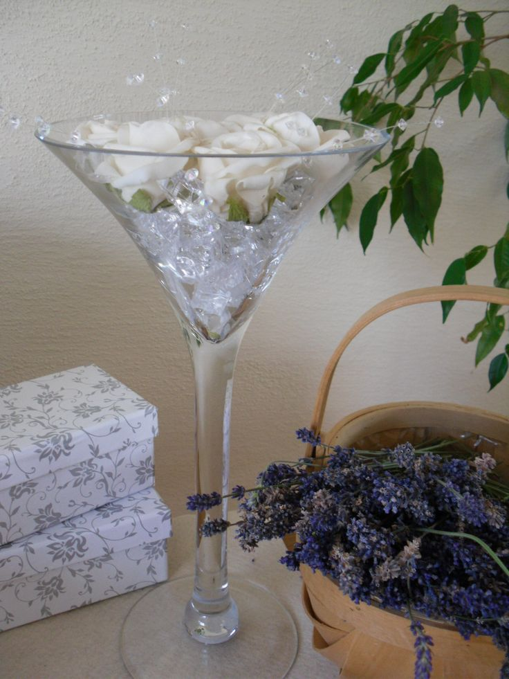 74 best wedding martini and wine glass centrepieces images - Cocktail dekoration ...