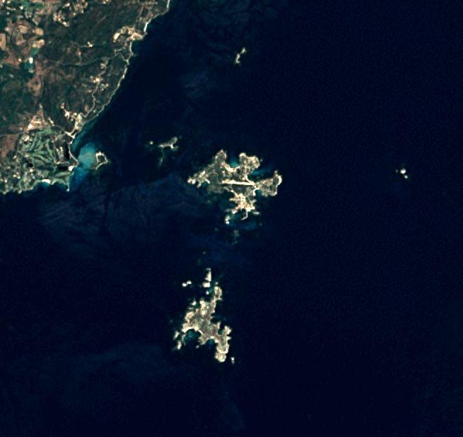 Vue satellite de l'archipel des Lavezzi