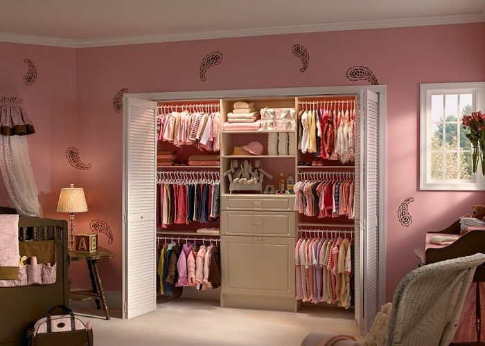 I think I may try this with Haydens closet.
