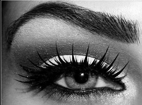 I need more lashes... sigh...
