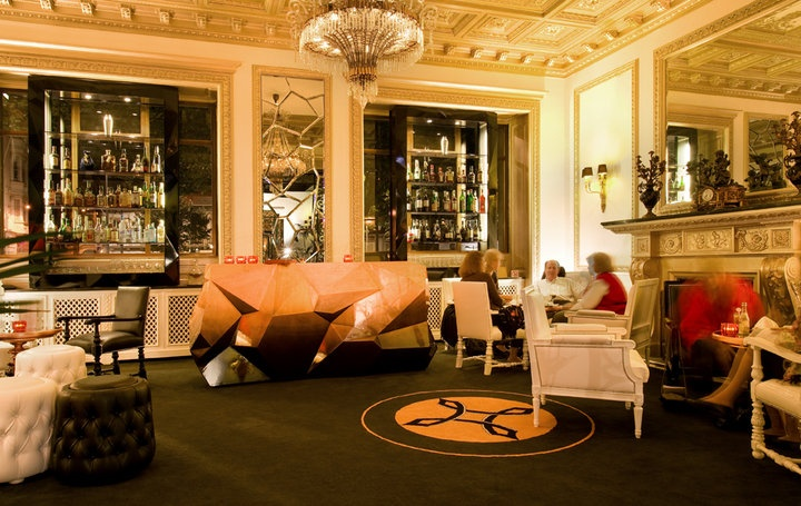 Hotel Infante Sagres, Porto #luxuryfurniture #interiordesign #bedroomsets #contemporaryfurniture www.bocadolobo.com