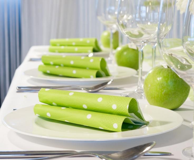"""Servietten mit #PolkaDots - Tischdekoration """"grüner Apfel"""" - meine-hochzeitsdeko.de"""