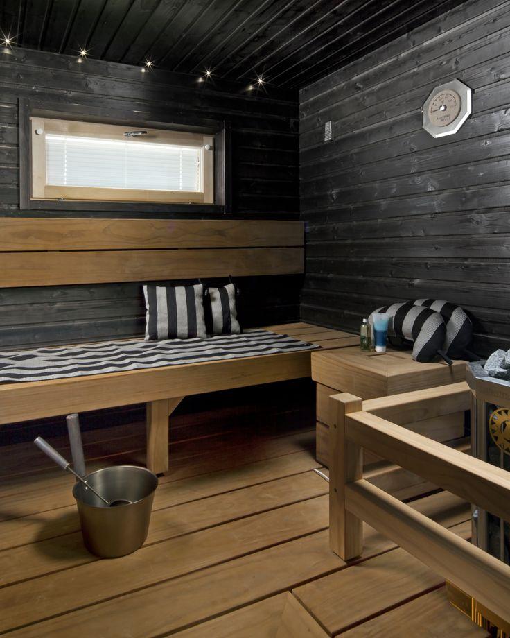 Tunnelmallinen sauna mustat seint ja LED valot 16