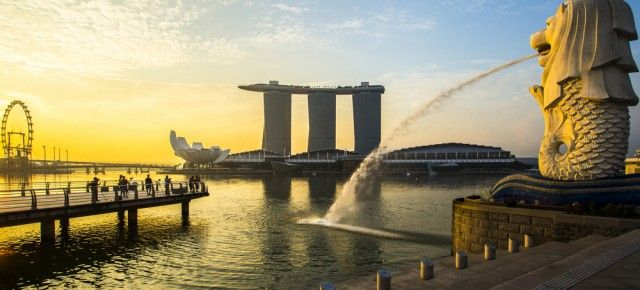 Together with air travel options like KLM, British Airways, SAS, Qantas, Cathay Off-shore, Ethiad, and Lufthansa, you will get cheap flight to Singapore.