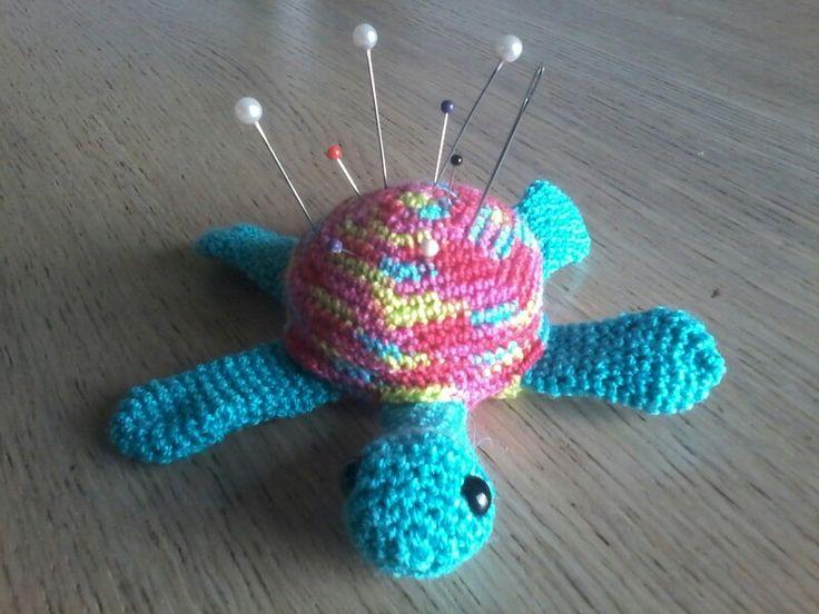 Turtle gehaakt speldenkussen