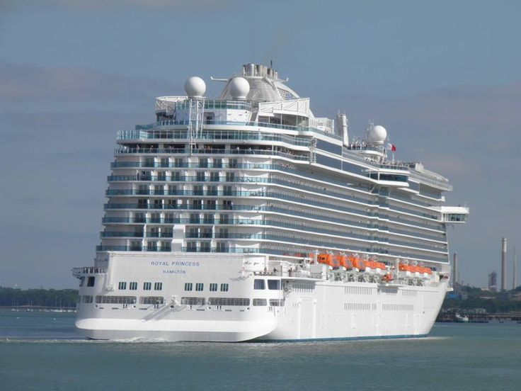 Royal Princess embarking on her first passenger cruise from Southampton,