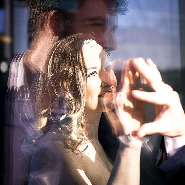 "Roses & Lavender photography (@roseslavenderphotography) auf Instagram: ""I see you, Baby... #Glas #Linz #Lentos #Paar #alternativewedding #Spiegelung #Licht #you&me…"""