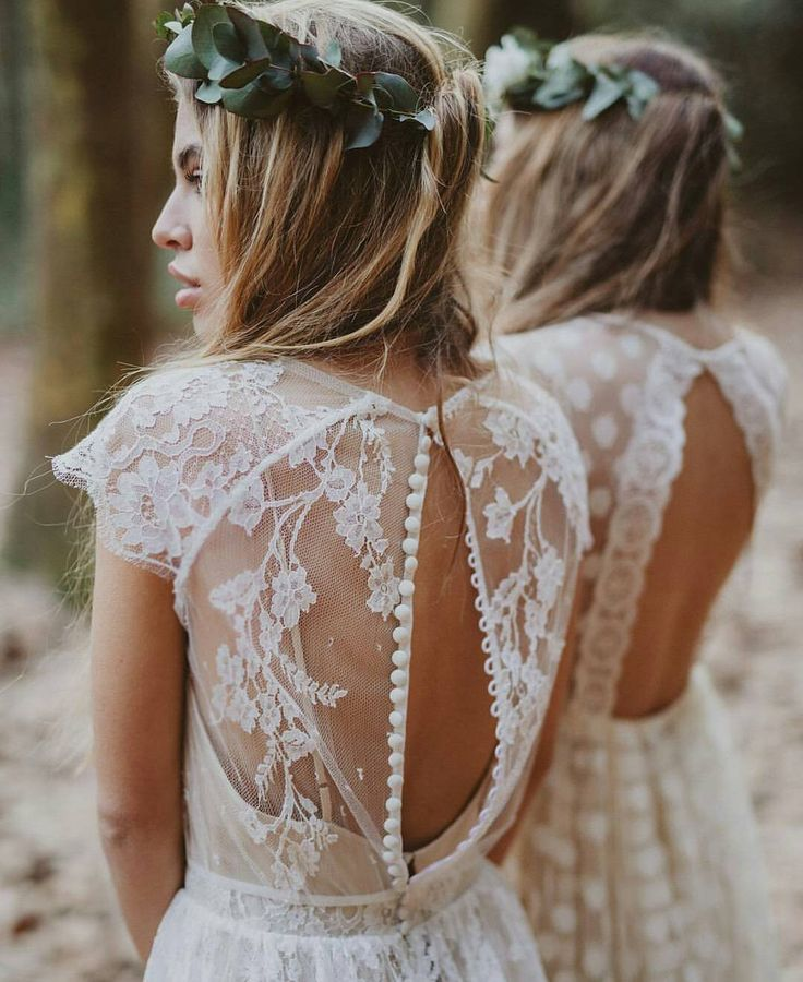 "795 Likes, 11 Comments - Perfect Wedding Blog 💍 (@perfectweddingblog) on Instagram: ""Romantic backs for boho babes🌿🌻 ◇ Vestidos de @immaclenovias 🔝 📷 by @serafin_castillo &…"""