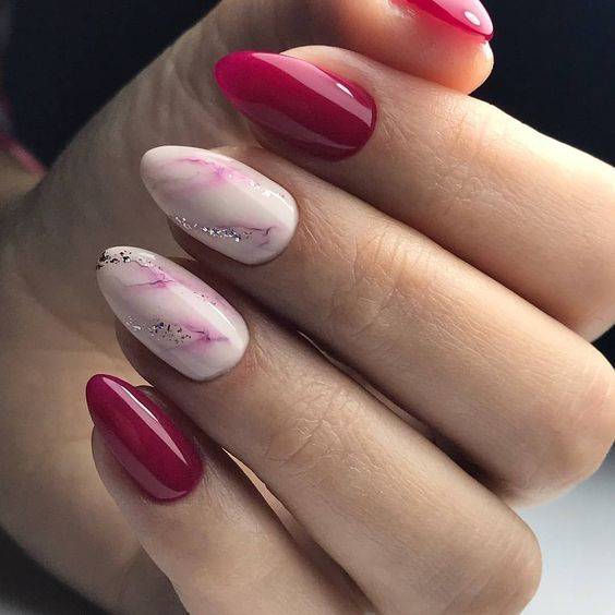 Are you looking for dark fashion nail colors for New Years? See our collection full of dark fashion nail colors for New Years and get inspired!
