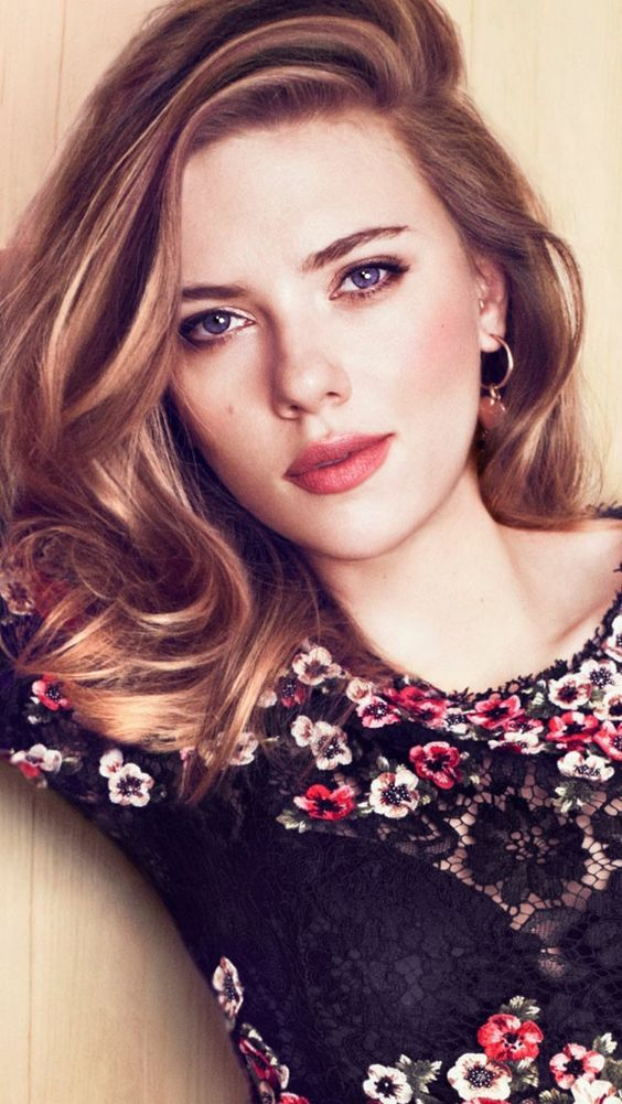 52f9c3a791b6 Pin by Snap Celebrity MyLove on Scarlett Johansson Tries To Not Spoil  Avengers While Eating Spicy Wings