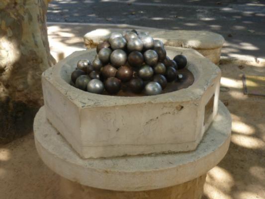 Le bénitier de boules à #Saint-Paul #06 #06570 http://