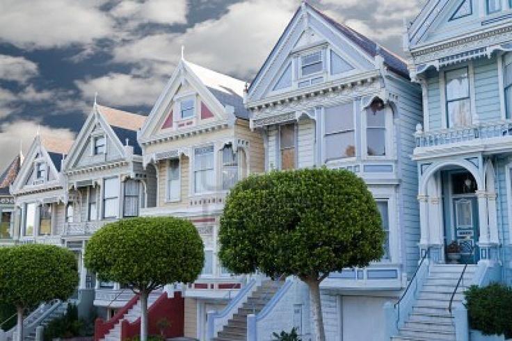 9226715-painted-ladies--maisons-victoriennes-colorees-pres-de-fort-alamo-square-san-francisco-californie.
