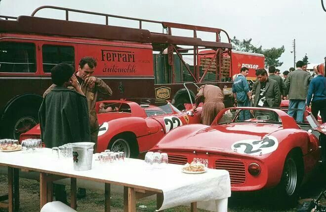 Ferrari team 24 h Le Mans  1963