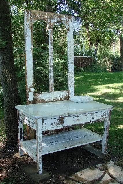Potting Bench /or to put on porch.Garden Junk, Pots Tables, Junk Forum, Garden Art, Potting Benches, Potting Tables, Pots Benches, Gardens Junk, Art Projects
