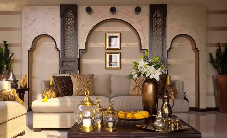 Arabic interior design omani princess majlis living for Decoration maison islam