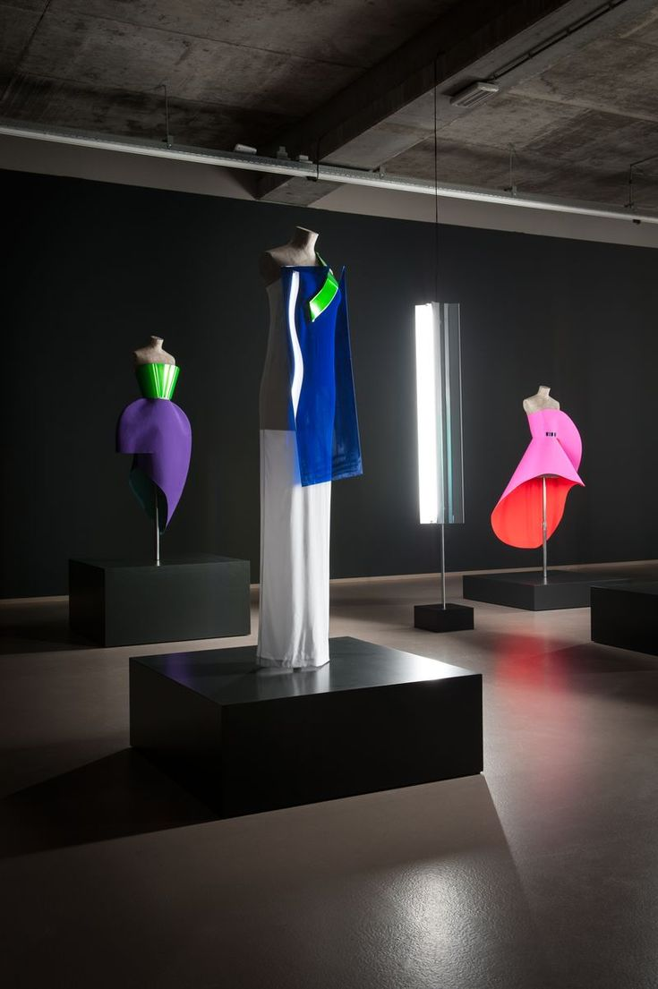 R E J I N A P Y O | EXHIBITION / Structural Mode Rejina Pyo, winner of the Han Nefkens Fashion Award 2012, presented her work in Museum Boijmans Van Beuningen from September 2012 until February 2013. The Exhibition focused on her study of fashion and art. It is a statement collection following on from her MA working on the boundary between wearable garments and art works, fusing together elements of fashion and sculpture. #rejinapyo #sculpture #art #HansNefkens #fashion #structure