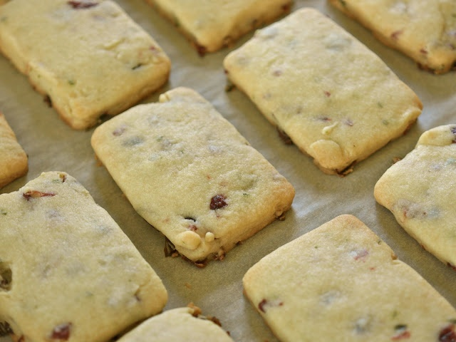 Cranberry Lemon Thyme Shortbread Cookies | Cookies and Bars | Pintere ...