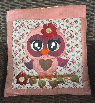 cuscino quillow gufo in seta rosa antico - un cuscino con dentro un plaid