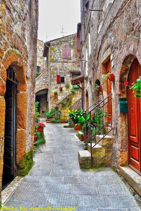 """Pitigliano Province of Grosseto  Regione Toscana - Tuscany region Italy """"Assaggia l'Italia"""" Cultura Arte Spettacolo Turismo Alimentazione Info@assaggialitalia.it - direzione@assaggialitalia.it"""