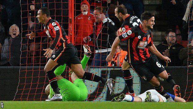 Bournemouth celebrate a goal for Junior Stanislas 3-3 Junior Stanislas scored a 98th-minute equaliser as Bournemouth twice came from behind to earn a point in an astonishing game at Vitality Stadium. Everton looked set for victory when goals from Ramiro Funes Mori and Romelu Lukaku put them 2-0 up at half-time.
