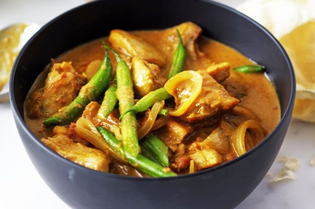 A flavoursome chicken curry with a creamy coconut milk base.