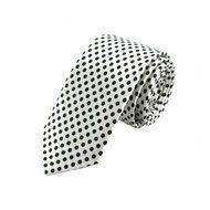 Stropdas Lincoln Stip Wit Zwart  Description: Anders dan anders  Soms wil je wel eens wat anders dan de standaard effen stropdassen. Bijvoorbeeld wanneer je een speciaal feest hebt zoals een bruiloft. De Lincoln Dot White Black is een witte stropdas. Deze witte stropdas heeft zoals ook op de foto te zien zwarte stippen. Hierdoor is de strop een echte eye catcher en jij ook wanneer je de strop draagt.  De druk gewerkte stropdas kan een eenvoudige of effen outfit compleet maken. Door het…