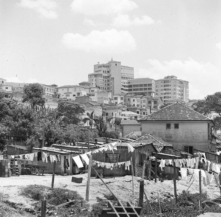 Bexiga / Bela Vista / Ao fundo o predio do Hospital Menino Jesus c.1960 http://www.europeana.eu/portal/en/record/92027/BibliographicResource_1000125568709.html?q=sao+paulo#&gid=1&pid=1